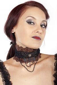 Steampunk Spitzen Halsband mit Metall Schmetterling & Skull