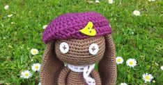 Mon premier truc à moi, c'est le crochet... et les amigurumis!  Mon deuxième truc à moi, c'est la frivolité... je suis encore apprentie. Crochet Panda, Crochet Diy, Crochet Animals, Crochet Dolls, Crochet Hats, Big Head Baby, Boho Mode, Knitting Stitches, Baby Dolls