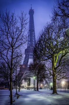 Eiffel Tower Snow 2013