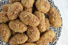 Melomakarona / Finikia (Honey-Dipped Cookies)