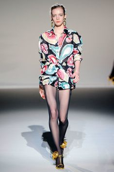 Moschino Spring 2010 Ready-to-Wear Fashion Show - Sophie Srej