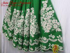 Refajo murciano de labor, verde bordado en blanco. Murcia, Labor, Pageant, Machine Embroidery, Diy, Regional, Google, Fashion, Toddler Girls