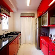 Uma cozinha vermelha para chamar de sua