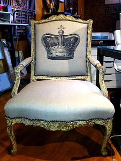 Fabulous Crown Chair - The Graphics Fairy