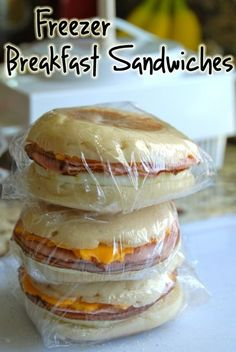 Use your fave bread/muffins, eggs, cheese, etc. to make breakfast sandwiches! Cheap and healthy fast food. #freezerfriendly #prepday