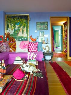 I love this wonderful bohemian jewel tone home of Jewelery designer Pippa Small . The two bedroom London apartmen. Bohemian Living Rooms, Bohemian Decor, Bohemian Homes, Bohemian Interior, Bohemian Style, Interior Exterior, Home Interior, Interior Design, Room Colors