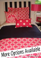Lottttts of CUTE bedding for college! Even ways to coordinate with your roommate!