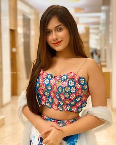 Jannat Zubair Rahmani is Indian One Of Cutest Actress and Tiktok Star Now. Jannat Zubair Rahmani Images Are So Cute And At Same Time Hot. Stylish Girls Photos, Stylish Girl Pic, Girl Photos, Teen Celebrities, Indian Celebrities, Celebs, Beautiful Indian Actress, Beautiful Asian Girls, Gorgeous Girl