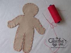 Tutorial pigotta: come fare il corpo – The creative lab Doll Making Tutorials, Sewing Tutorials, Sewing Projects, Rag Doll Tutorial, All About Me Art, Homemade Dolls, Creative Labs, Sewing Lessons, Doll Shop