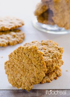 Healthy Oatmeal Cookies. A cookie just like grandma used to make sans guilt. I used as little sugar as possible, whole wheat flour and coconut oil. The cookies turned out amazing – a bit chewy and crunchy oats, low in sugar and so moist! | Recipe from iFOODreal.