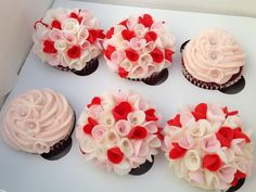 Get inspire with these Affectionate Mother's Day Cupcake Ideas and make the ones you really love, it's really simple but will leave a great impression. Cupcake Ideas, Cupcake Cakes, Cupcake Decorations, Cup Cakes, Cute Cupcakes, Family Holiday, Flower Arrangements, Goodies, Mother's Day
