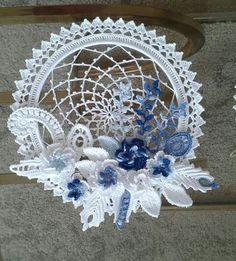 Backstage and crochet decoration - My World Craft Crochet Flower Patterns, Afghan Crochet Patterns, Crochet Motif, Crochet Designs, Crochet Doilies, Crochet Flowers, Cute Crochet, Irish Crochet, Framed Doilies