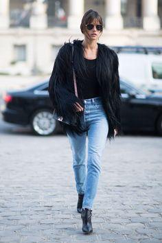 Alessandra Ambrosio Pulls a Kate Moss at Paris Fashion Week