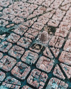 Barcelona has a strict grid pattern, crossed by wide avenues, designed in the 19th Century. This visionary design by Spanish urban planner Ildefons Cerdà, considered traffic and transport along with sunlight and ventilation in coming up with his characteristic octagonal blocks!