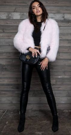 Black Faux Leather Pants With Fuzzy Jacket Outfit Street Style Fashion - Classy Outfits Look Fashion, Autumn Fashion, Fashion Outfits, Womens Fashion, Fashion Black, Leder Outfits, Legging Outfits, Leather Pants Outfit, Faux Leather Pants