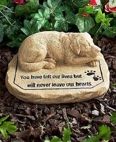 Memorial Grave Stone For Pets Cat or Dog Marker Paw Prints Memories Engraved - Go Shop Pet Supplies