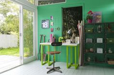 Green draws in our natural surroundings and evokes feelings of pure serenity. This colour can be both calm and exciting, a really dynamic mix. Featuring Forest Falls 1 and Brilliant White by Dulux. Dulux Green, Ideal Home Magazine, Forest Falls, Shed Homes, Diy House Projects, Green Rooms, Open Plan Living, Interior Inspiration, Sweet Home