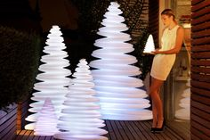 Designed by Teresa Sapey for Vondom, the Chrismy Christmas Tree is a Lamp fitted with energy-saving LEDs to create a charismatic aura. Christmas Tree Design, Unusual Christmas Trees, Hanging Christmas Tree, Modern Christmas Decor, Real Christmas Tree, Alternative Christmas Tree, Simple Christmas, Christmas Diy, Christmas Decorations