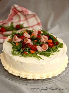 Pullahiiren leivontanurkka: Kinkkuvoileipäkakku Finnish Recipes, Salty Foods, Vanilla Cake, Camembert Cheese, Desserts, Cooking Stuff, Label, Drink, Mayonnaise Cake