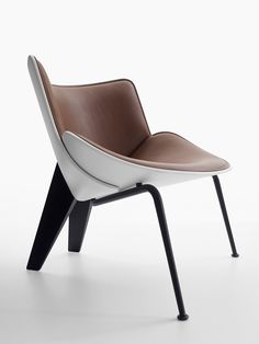 Contemporary style upholstered leather easy chair DO-MARU By B&B Italia design Doshi Levien Design Furniture, Space Furniture, Chair Design, Bespoke Furniture, Furniture Stores, Luxury Furniture, Poltrona Design, Italia Design, Single Chair