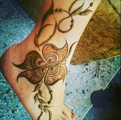Mehndi Art, Henna Mehndi, Mehendi, Unique Mehndi Designs, Henna Designs, Henna Feet, Mahendi Design, Flower Henna, Hennas