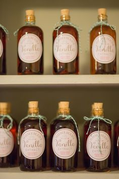 Wedding DIY Homemade Vanilla Extract Favors + Free Label Template - Sugar Studios