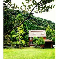 【cats.mizuho】さんのInstagramをピンしています。 《10月の🍃Wazett style #鹿児島カフェ#いちき串木野市 #大里#japanesescene#緑のある風景 #Japan#🇯🇵#Japanesecafe #ケーキセット#cakeset#珈琲#カフェ巡り #鳥のさえずり #風#森 #小川#池#綺麗な庭》