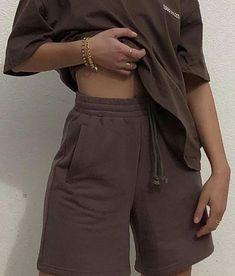 Tomboy Fashion, Teen Fashion Outfits, Mode Outfits, Look Fashion, Streetwear Fashion, Sweat Streetwear, Fasion, Spring Fashion, Cute Comfy Outfits