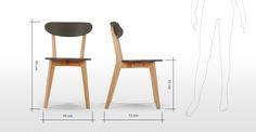 Il set di due sedie Fjord, in rovere e grigio, grazie alla forma sinuosa e alla comoda seduta, regala un tocco di colore alla tua cucina.