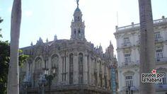 Frente al Parque Central se encuentra el extraordinario edificio del antiguo Centro Gallego, construido en 1915 como club social de la comunidad gallega en Cuba, en la manzana que ocupaba el Teatro Tacón.  En la actualidad acoge el Gran Teatro de La Habana, famoso sobre todo por las actuaciones del Ballet Nacional de Cuba y de la Opera Nacional.