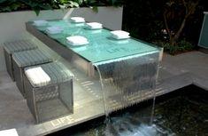 Ideia de decoração com mobiliário de jardim moderno e atraente.
