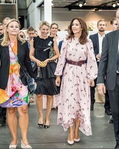 Crown Princess Mary visit the Design School Kolding & Royal Danish Academy's School of Design show 'Future of Fashion' 8 AUG 2018 Mary Day, Prince Frederick, Queen Margrethe Ii, Princesa Mary, Royal Red, Crown Princess Mary, Queen Elizabeth Ii, Red Carpet Fashion, Design Show