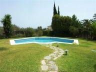 4 Bedroom house for sale in La Cerquilla in Nueva Andalucia