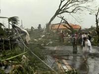 Filippine devastate dal tifone Haiyan: almeno 1.200 morti, ora trema il Vietnam