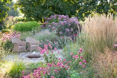 Garden Ideas Border ideas Perennial Planting Perennial combination Summer Borders Fall Borders Monarda Bee Balm Echinacea pallida Pale purple Coneflower Echinacea Pink Do. Landscape Borders, Garden Borders, Landscape Design, Garden Design, Feather Reed Grass, Deer Resistant Plants, Garden Care, Ornamental Grasses, Dream Garden