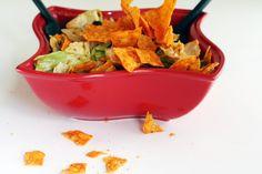 Dorito Taco Salad - I think the husband could really eat that! Mexican Food Recipes, Beef Recipes, Salad Recipes, Ethnic Recipes, Taco Salad Doritos, Taco Salads, Cheese Tacos, Nacho Cheese, Cheddar Cheese