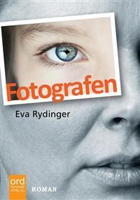 Köp boken!!! En till mamma, en till väninnan och en till dig själv.  #Fotografen