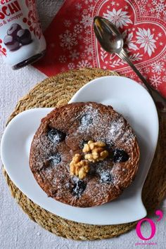 Brownie aux noix et cerises amarena Doughnut, Cake, Muffin, Brunch, Breakfast, Desserts, Food, Cherry Fruit, Gentleness