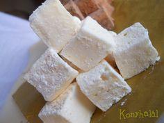 Gondoltad volna, hogy a pillecukor is elkészíthető házilag? Mégpedig fillérekből, csak 5-féle, bármely háztartásban fellelhető hozzávalóból, kb 15... Cheese, Cookies, Marshmallows, Cake, Recipes, Food, Pills, Crack Crackers, Marshmallow