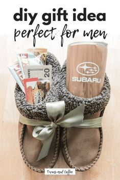 DIY gift idea for men. DIY treat filled slippers perfect for any man in your lif… DIY gift idea for men. DIY treat filled slippers perfect for any man in your life, would also work great for women, kids, moms and dads! Diy Gifts For Christmas, Holiday Gifts For Men, Diy Gifts For Dad, Diy For Men, Gifts For Boss, Easy Gifts, Homemade Gifts, Gifts For Women, Men Gifts