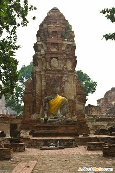 Buddha image in wat mahathat, Ayutthaya