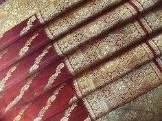 Vintage Sari indien Satin soie fil tissé par indiacraftshop, $19.99/ Etsy