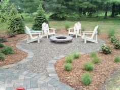 Cool 76 Paver Walkways Ideas for Backyard Patio https://decorisart.com/31/76-paver-walkways-ideas-backyard-patio/