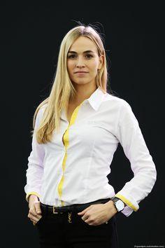 RENAULT F1 PRESENTAZIONE 2016, Carmen Jorda (ESP) Renault Sport Formula One Team Development Driver. 03.02.2016.