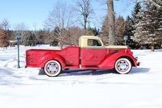 1937 Diamond T Model 201 Pickup Deluxe Cab, Classic Pickup Trucks, Ford Pickup Trucks, Cool Trucks, Cool Cars, Trucks And Girls, Chrome Wheels, Vintage Trucks, Commercial Vehicle, Motor Car