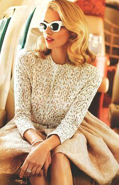 classic vintage look +++For tips and advice on #hair and #makeup, visit http://www.makeupbymisscee.com/