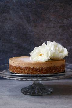 Chickpea Almond Cake (gluten-free & vegan)
