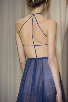Valentino-Spring-2015-Details- http://lesbeehive.com/2015/01/29/haute-couture-spring-2015-valentino-and-zuhair-murad/