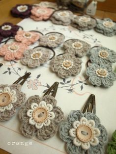 crochet flower hair accessories: very cute idea to sell at a craft fair!