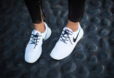 I actually don't like roshes, but these ones look pretty fresh ! White sneakers ftw <3